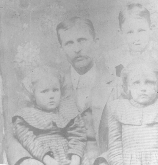 Charles Houston McKeehan with daughters Florence & Bertha